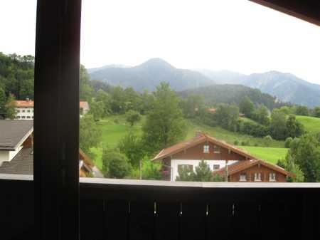 Sanierte 2-Zimmer-Maisonette-Wohnung mit Balkon und Einbauküche in Fischbachau in Fischbachau