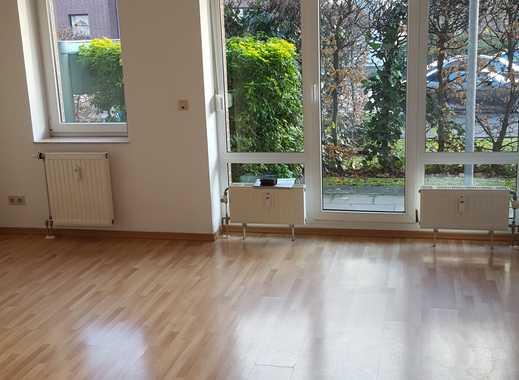 Gut geschnittenes Appartement mit kleiner Terrasse und EBK in Volmerswerth