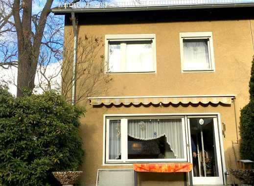 Klassische Doppelhaushälfte in verkehrsgünstiger Lage von Berlin-Zehlendorf