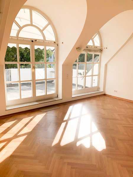 Wohlfühl-Wohnung auf zwei Ebenen mit großzügiger Sonnenterrasse  in bester Lage Grünwald in Grünwald (München)