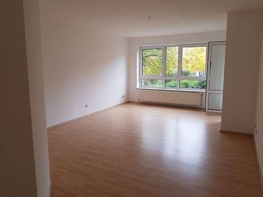 Großzügige 3-Zimmer-Erdgeschosswohnung mit Loggia in Wettbergen, Bornholmer Weg
