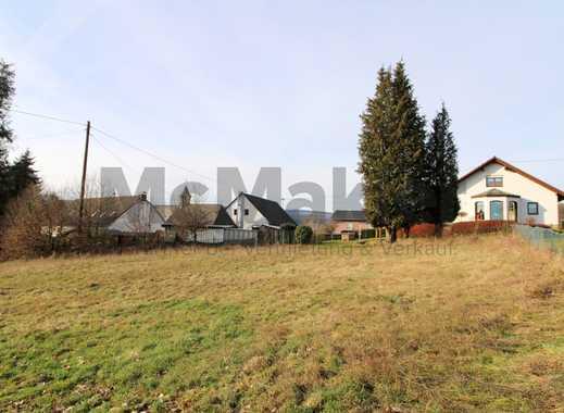 Ein Grundstück, viele Möglichkeiten: Voll erschlossenes Baugrundstück im idyllischen Gehweiler