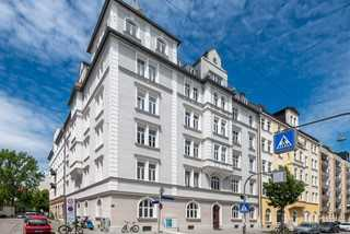 Absolute Rarität: Denkmalgeschützter Altbautraum mit 5 Zimmern und Balkon in Au/Haidhausen in Haidhausen (München)