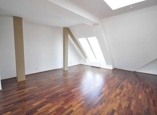 Sanierte Dachgeschosswohnung 3-Zimmer*Lichtdurchflutet*Einbauküche*