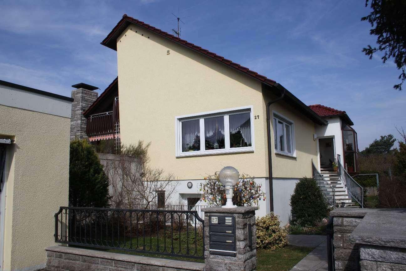 Würzburg-Oberdürrbach:  3,5 Zimmer-Wohnung am Bebauungsrand.  Sehr ruhig und doch stadtnah in Oberdürrbach (Würzburg)