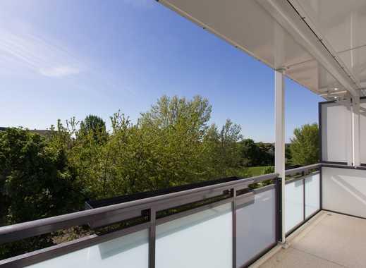 Wunderschöne helle Wohnung mit tollem Balkon und großzügiger Küche