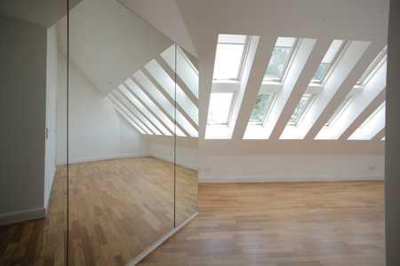 Exklusive weitläufige Dachwohnung in Bestlage Solln in Solln (München)