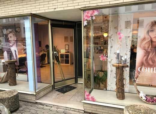 Ladenlokal / Friseur / Büro mit großem Schaufenster