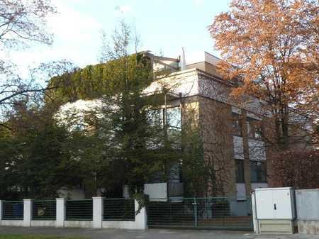 BUCHBERGER Immobilien Nymphenburg exklusives Wohnen für 1-2 Personen. in Neuhausen (München)