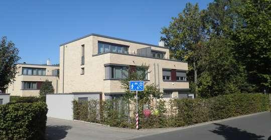 Moderne Doppelhaushälfte mit gehobener Ausstattung in Kirchrode, Elly-Beinhorn-Str. 79