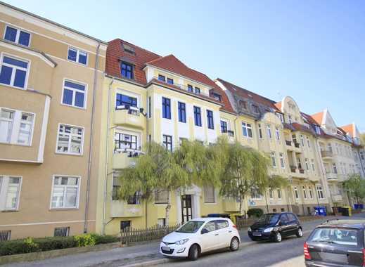 3 Zimmer in Stadtfeld mit herrlichem Balkon und Eckwanne!