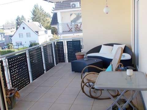Attraktive 4 Zimmer Dg Wohnung Mit Balkon Garage Und Stellplatz Zur