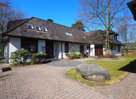 Schönes, geräumiges Haus mit sieben Zimmern in Pinneberg (Kreis), Bönningstedt