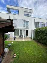1 Familienhaus Garage KFZ Stellplatz