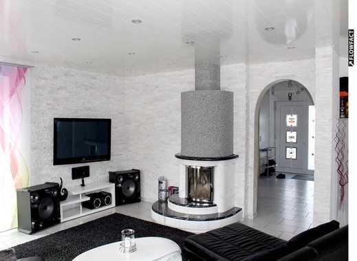 EXKLUSIVES 6-Zi-Einfamilienhaus mit Kamin, Einbauküche, Terrasse, Garten und Doppelgarage