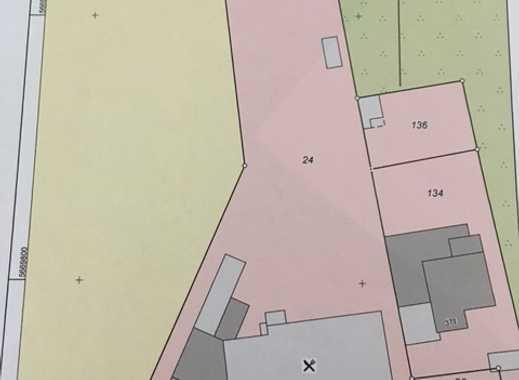 Großzügiges Grundstück in zentraler Lage zwischen Rheydt und Rheindahlen gelegen
