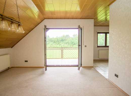 Attraktive 3,5 ZKB Wohnung mit Gäste WC und gleich 2 Loggia´s im 5 Fam.-Haus