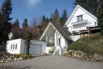 Extravagantes Einfamilienhaus mit Doppelgarage in