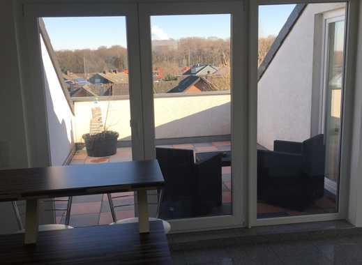 Neuwertige lichtdurchflutete 3 Zimmer Dachgeschosswohnung mit riesiger Sonnenterrasse