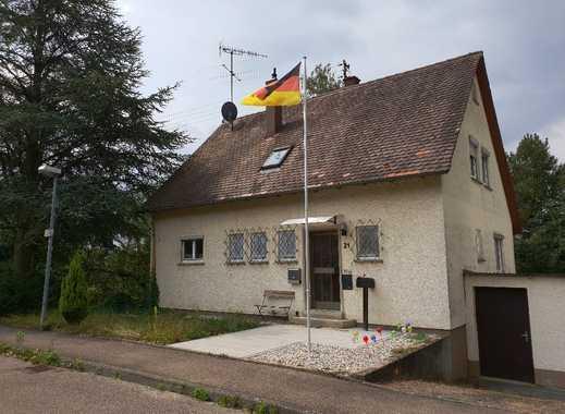Erstbezug nach Sanierung mit Balkon: stilvolle 2,5-Zimmer-Wohnung in Bempflingen