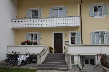 Attraktive 2-Zimmer Mansardenwohnung mit  Einbauküche in Bad Tölz, Bahnhofsnähe in Bad Tölz