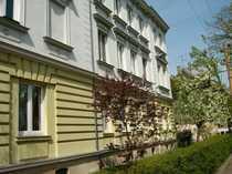 Kleine Altbauwohnung in renoviertem Stilgebäude