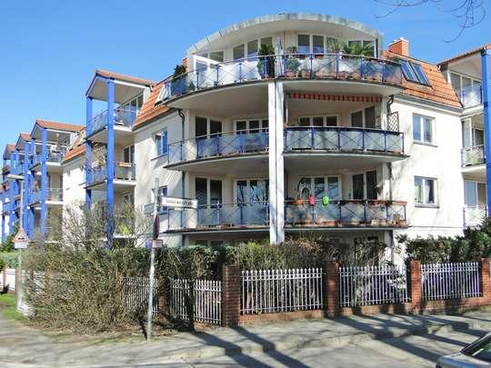 Moderne 3-Zim.-Wohnung mit PKW-Stellplatz und Garten - Bild 16