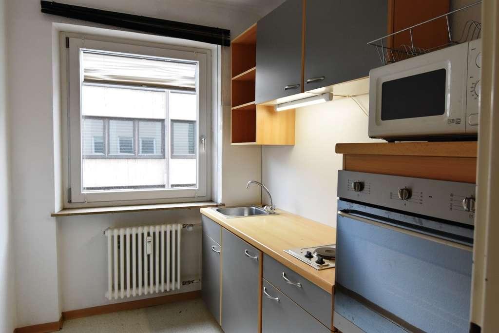 schöne 2 Zimmer Wohnung - Einbauküche - mitten in der Stadt
