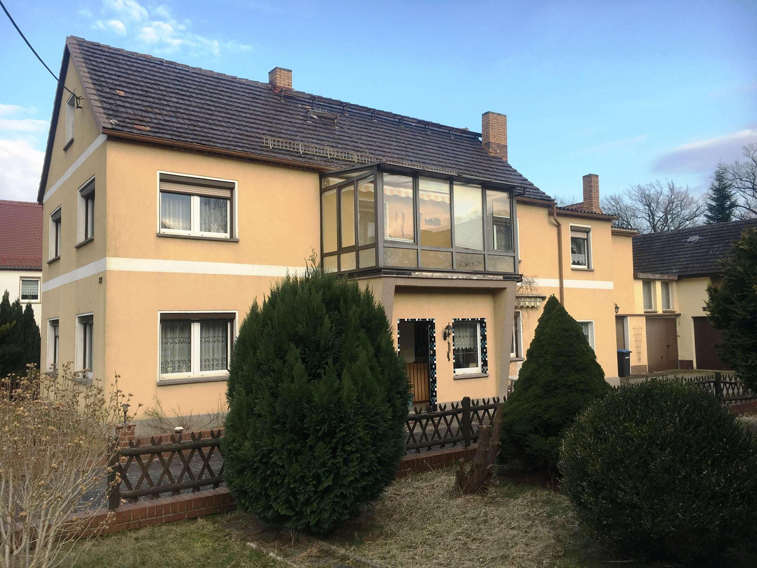Ein Anwesen mit viel Platz zum Wohnen und für Hobbys - Haus zum Kauf in Kroppen