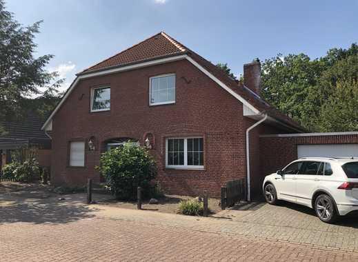 Exklusive Wohnung im Zweifamilienhaus mit eigenem Garten und Garage - Erstbezug nach Sanierung
