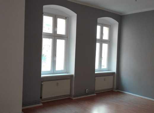An der Schönhauser Allee! Charmante 2 Zimmerwohnung - Balkon - ca. 70 m² - 979 € warm!