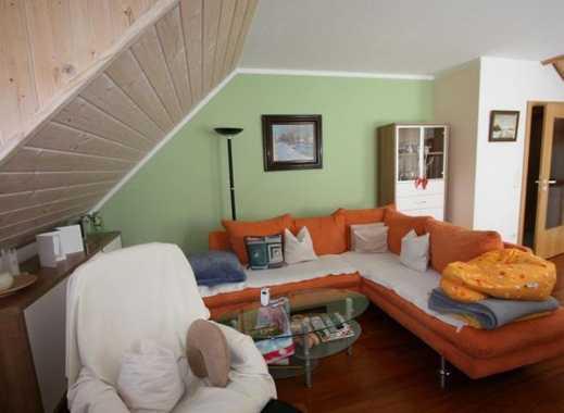 Exklusive, gepflegte 3,5-Zimmer-DG-Wohnung mit Balkon und EBK in Röhrmoos