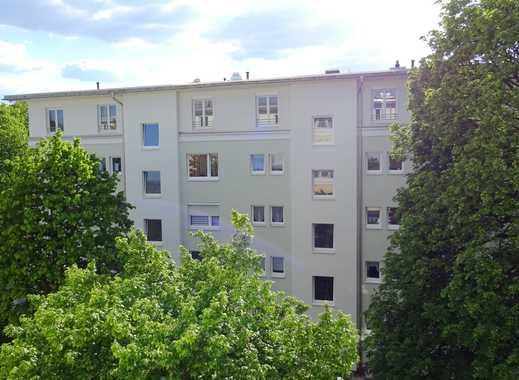 Erstbezug nach Ausbau: Lichterfüllte 3-Zimmer-Wohnung mit Westloggia