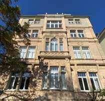 FFM-Westend 4-Zimmer-Altbauwohnung in Bestlage