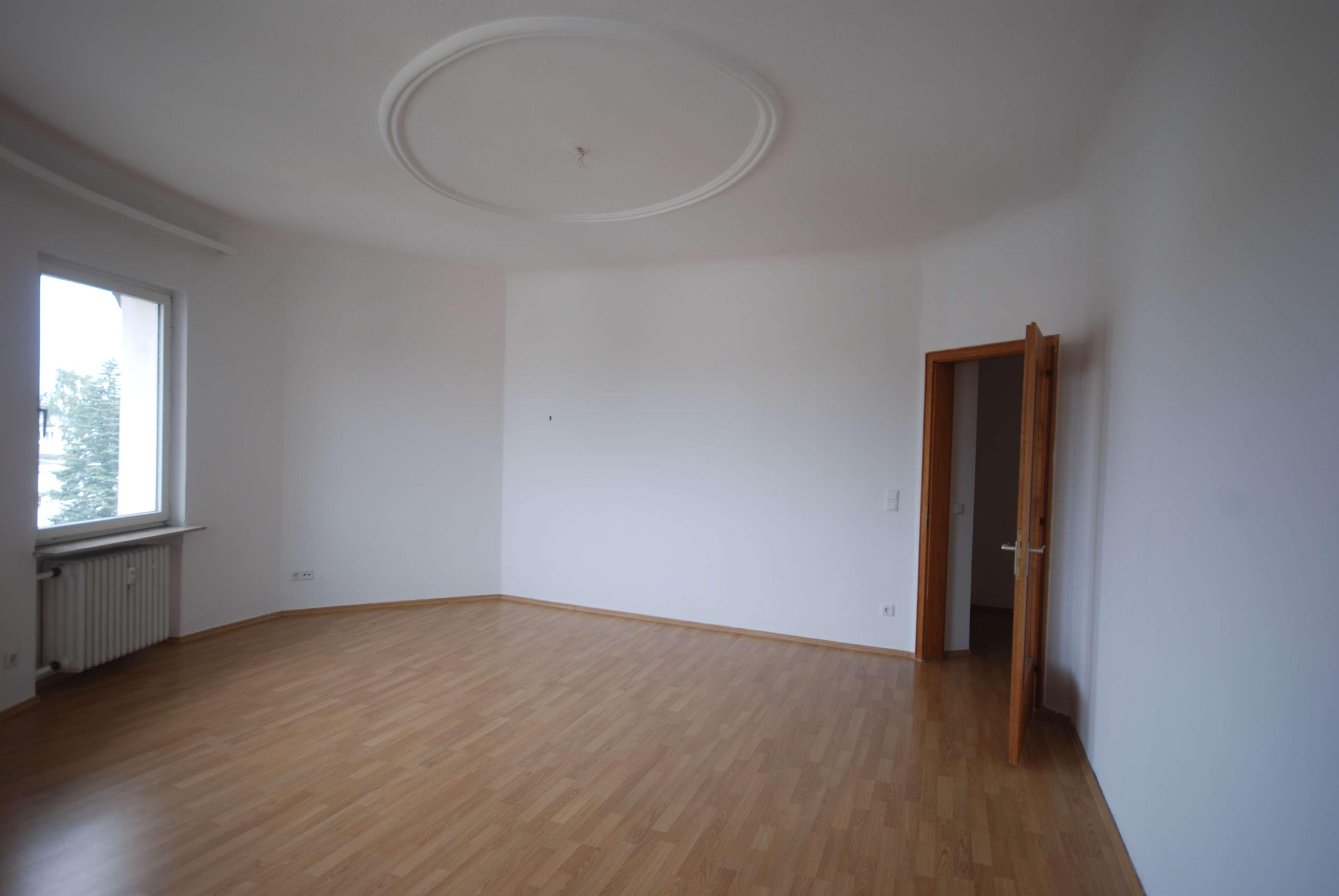 Schmuckstück in Mögeldorf - lichtdurchflutete 3 Zimmer Altbauwohnung! in Mögeldorf (Nürnberg)