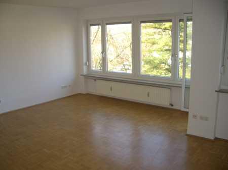 3 Zimmer, Küche, Bad,  großer Balkon, Westen, ca 89 qm,Top Lage u. Ausstattung, ruhig, in Westenviertel (Regensburg)