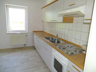 Sonnige Wohnung mit Einbauküche, Gratis-Ausblick zur Augustusburg zum Sonderpreis