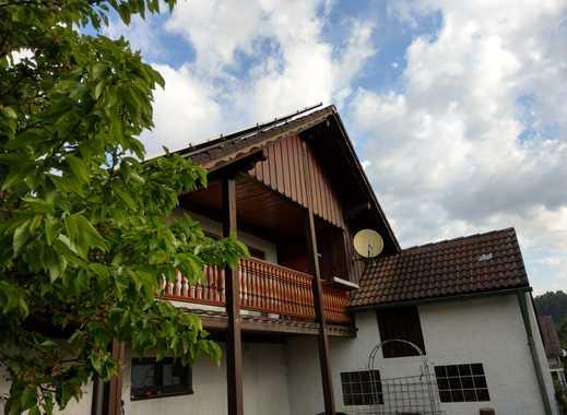 Vollständig renovierte 3-Zimmer-Wohnung mit Balkon in Metten