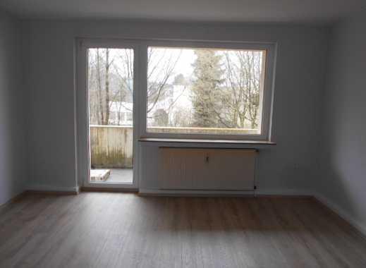 Schöne frisch renovierte 4-Zimmerwohnung mit Balkon in ruhiger Wohnlage zu vermieten!