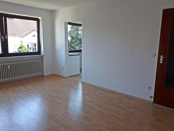 Gepflegte, sonnige 1-Zimmer-Wohnung mit Einbauküche in Landshut