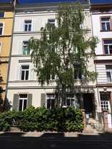 Helle kernsanierte 3-Zimmer-Altbauwohnung mit großer