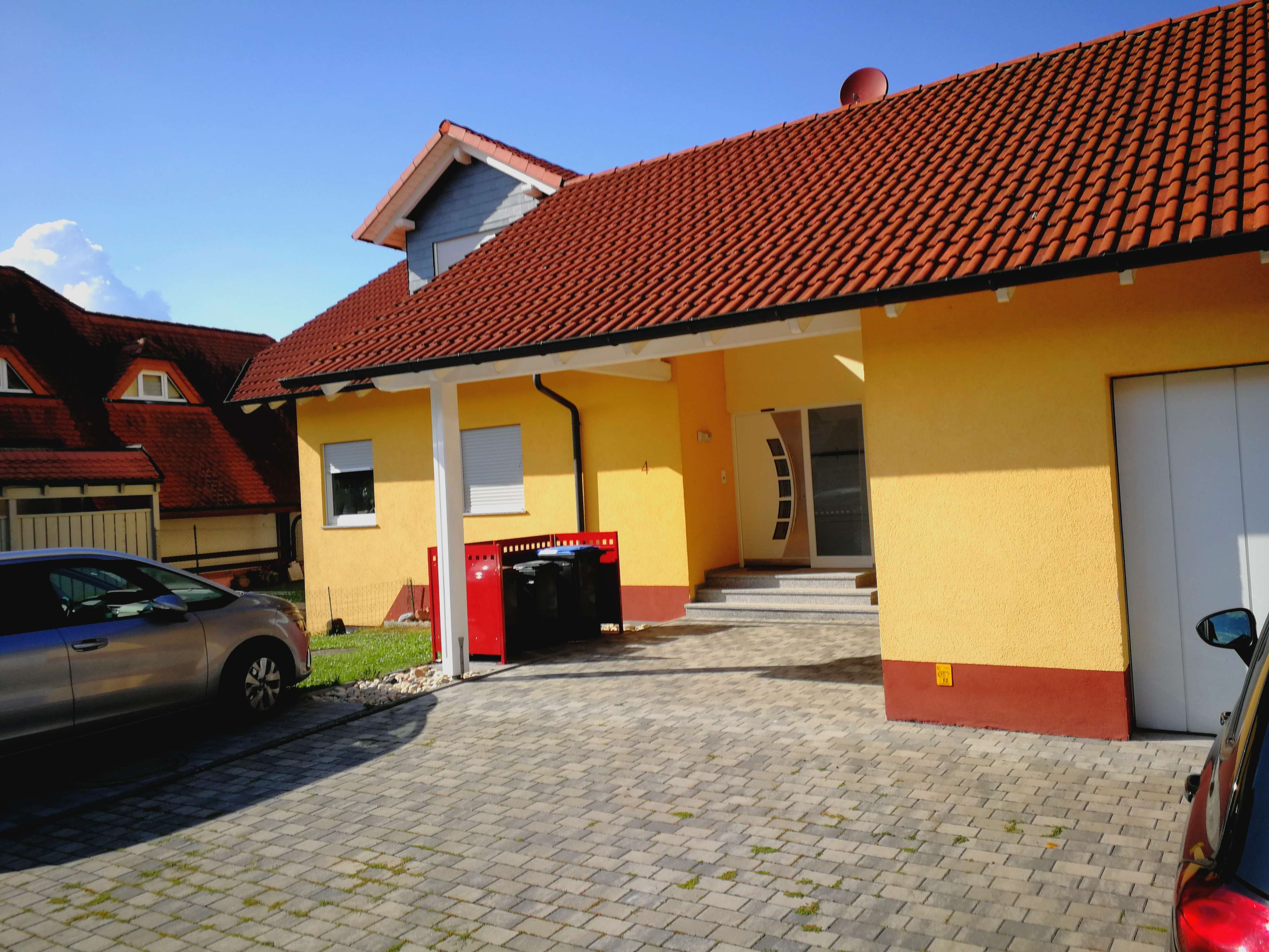 Helle Moderne 4 Zimmerwhg. mit 3 Schlafräumen in Großwallstadt, mit Balkon in ruhiger Ortsrandlage. in