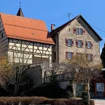 Charmantes denkmalgeschütztes Wohnhaus mit Scheune