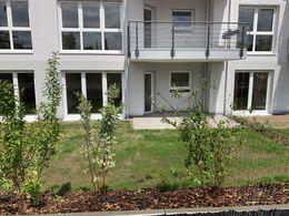 Terrasse mit eigenem Garten