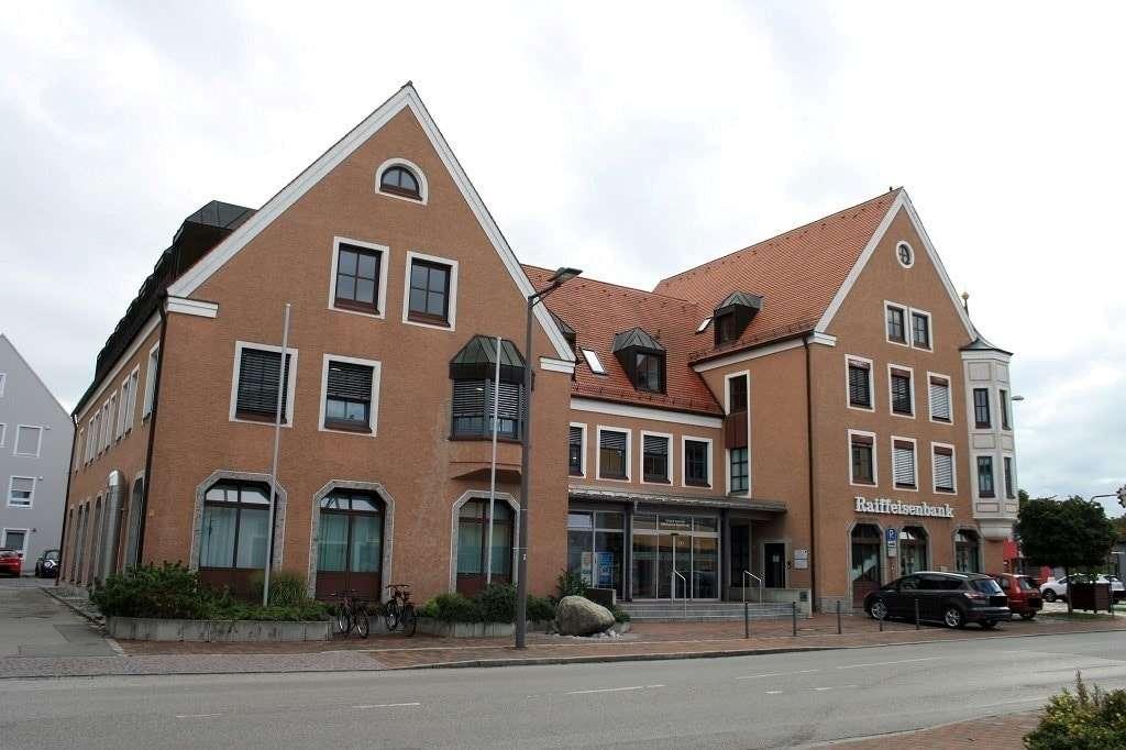 Renovierte 3-Zimmer-Wohnung im Ortskern von Neufahrn in Neufahrn bei Freising
