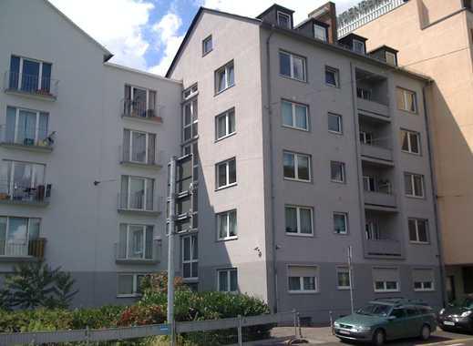 Schöne 2ZKBB Wohnung direkt am Mainufer