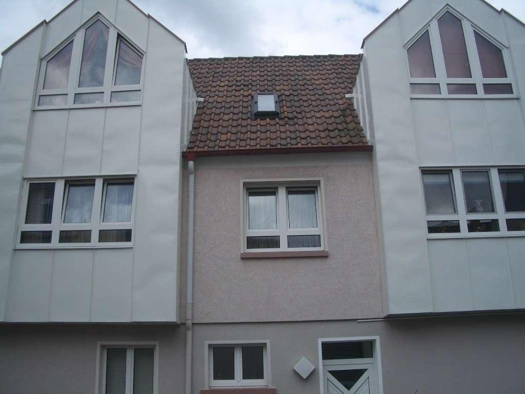 Obernburg-Stadtmitte: Ruhige 3-Zimmer-Erdgeschosswohnung mit großer Terrasse und Doppelgarage