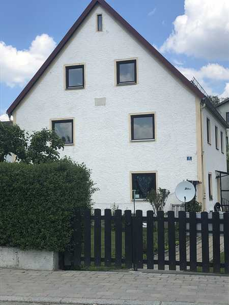 Vollständig renovierte 5-Zimmer-Wohnung mit Einbauküche in Rohr/Ndby in Rohr in Niederbayern