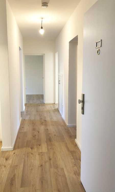 Großzügige 4-ZKB Wohnung mit Loggia in bevorzugter Lage in Erding in Erding