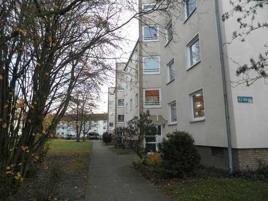 Renovierte 3-Zimmer Wohnung mit Balkon in Groß Buchholz, Tischbeinstr. 46